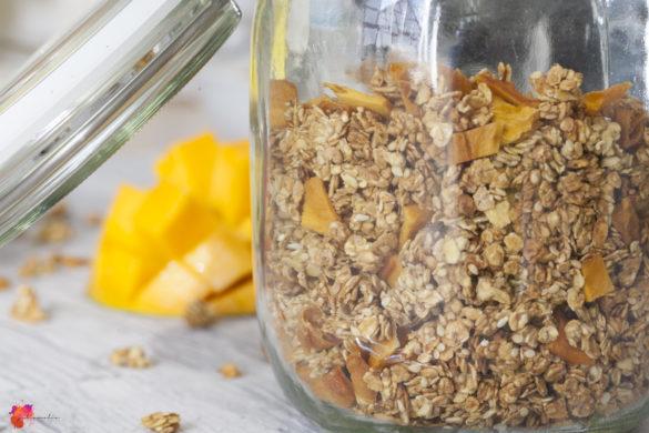 Granola mit Mango Haferflocken