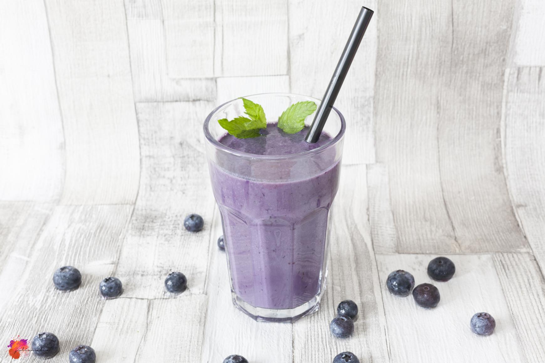 gesunder Drink mit Heidelbeeren